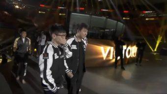 A alegria dos jogadores chineses após a conquista